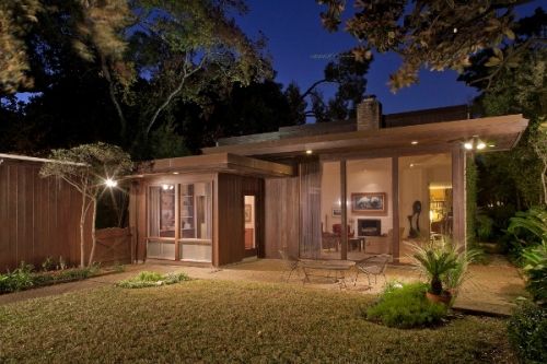 Mid century modern homes houston for Contemporary homes houston